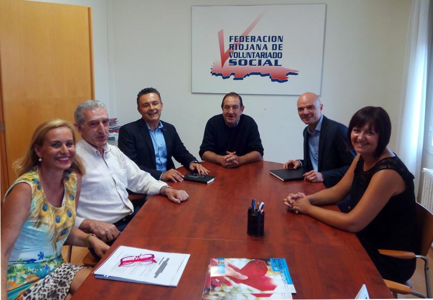 Reunión del consejero Conrado en la Federación Riojana de Voluntariado Social.